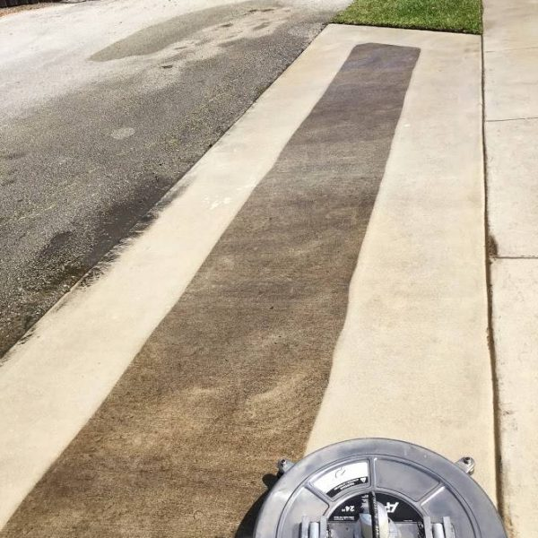Concrete Sidewalk Cleaning
