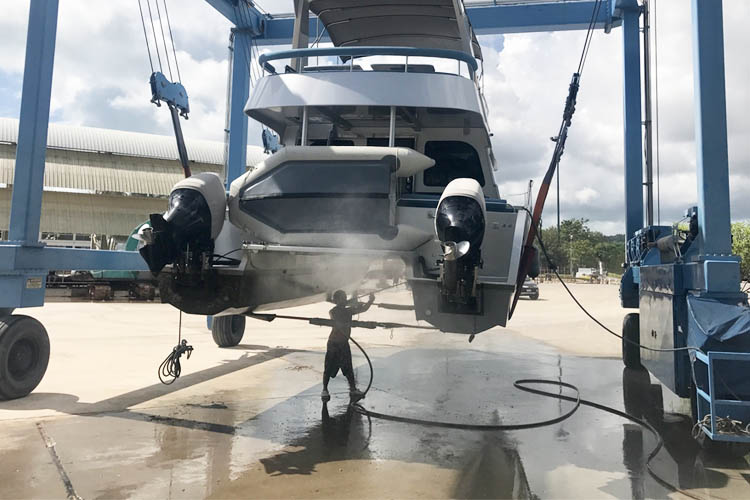 Boat Pressure Cleaning
